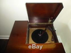 VTG V-M Tri-O-Matic Mid Century Modern Turntable Record Player Console WORKING